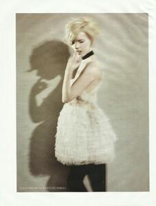 Vogue Russia (December 2006) - Cabaret - 010.jpg