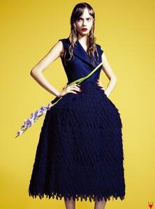 Vogue Korea (December 2012) - Flower Girl - 006.jpg
