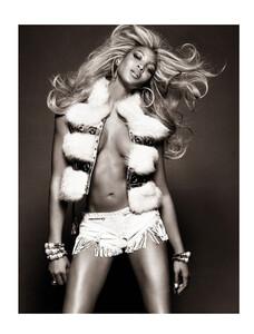 Vogue Brazil (May 2013) - Top Closet - 008.jpg