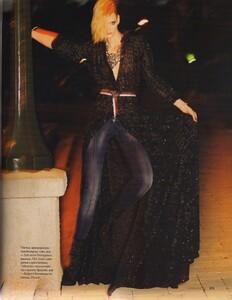 Elle Russia (November 2011) - Jennifer Pugh - 007.jpg