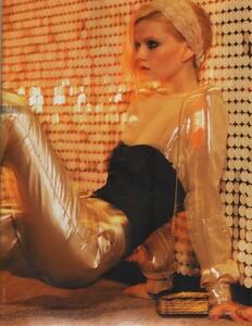 Elle Russia (November 2011) - Jennifer Pugh - 009.jpg