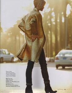 Elle Russia (November 2011) - Jennifer Pugh - 013.jpg