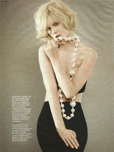 Vogue Russia (December 2006) - Cabaret - 006.jpg