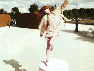 Vogue China (October 2008) - Blame It On Paris - 008.jpg