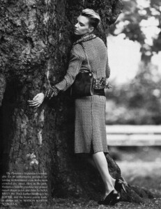 The Gentlewoman #6 - AW 2012 - Hugger - 004.jpg