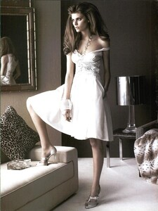 ARCHIVIO - Vogue Italia (May 2007) - Starry Evening Looks - 002.jpg