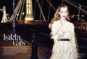Vogue Turkey (December 2013) - Isikla vals - 001.jpg