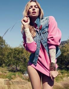 Elle France #3438 (November 18, 2011) - Arizona Jeans - 002.jpg