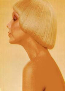 Bellezza_Vogue_Italia_March_1972_01.thumb.png.174898b58545e1ce07cd5add2df6bd51.png