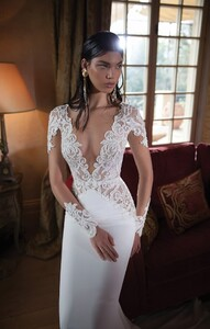 Berta-2015-Wedding-Dress-Collection-Bridal-Musings-Wedding-Blog-32.jpg