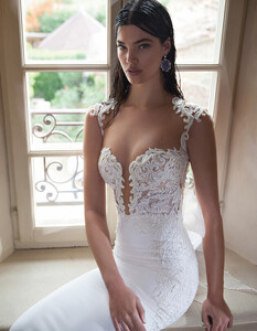Berta-Wedding-Dress-Collection-2015-on-Bridal-Musings-Wedding-Blog-12.jpg