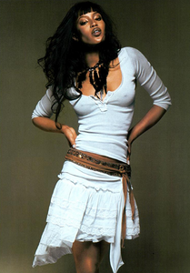 Bringheli_Vogue_Italia_February_2005_03.thumb.png.f1bf47621f69072dec413d14cbf1fa6f.png