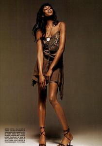 Bringheli_Vogue_Italia_February_2005_05.thumb.png.ef2f30796a8b1469b671559befc2bced.png