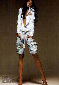 Bringheli_Vogue_Italia_February_2005_07.thumb.png.aac1d551df6203be0902a09ca83fd79a.png