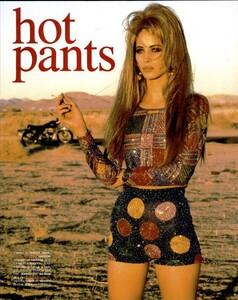 Hot_Pants_von_Unwerth_Vogue_Italia_May_1991_02.thumb.jpg.b360a61c4ebf2bb6beae2d5a665b3465.jpg