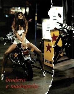 Hot_Pants_von_Unwerth_Vogue_Italia_May_1991_03.thumb.jpg.c724970f71d0d631f1cea59014391ed6.jpg