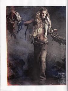 Lubomirski_Vogue_Spain_April_2011_05.thumb.jpg.54f44713e686e4fbdd813b24960e62d8.jpg