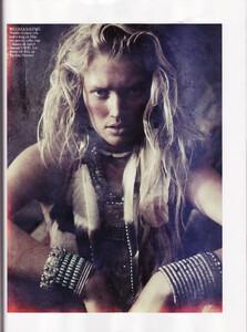 Lubomirski_Vogue_Spain_April_2011_08.thumb.jpg.0eb7e6c63c31a65f6c4f988a730571c0.jpg