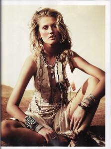 Lubomirski_Vogue_Spain_April_2011_14.thumb.jpg.54689b17c3d980fee471bc977c693fa3.jpg