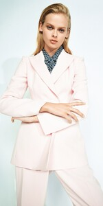 Pink-Double-Breasted-Blazer-C40620-W20_1000x2000_637158204319534058_C40620-W20-511-2-_Editorial.jpg
