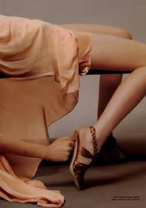 Slijper_Vogue_Italia_February_2005_07.thumb.png.3a8d4577f9c946fe0827bd08b212fe10.png