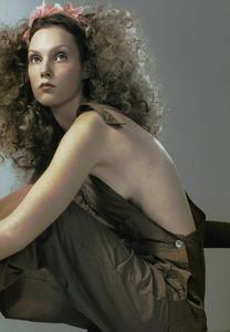 Slijper_Vogue_Italia_February_2005_09.thumb.png.d9536b58567dca7351b596f1f508fc9a.png