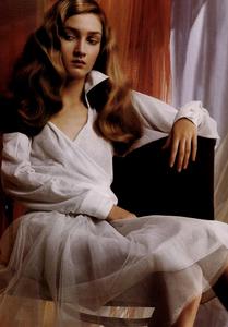 Slijper_Vogue_Italia_February_2005_13.thumb.png.bca48dd110529e44bf0b08bc3a38b2aa.png