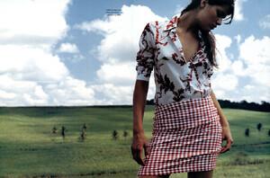 Vogue_Brasil_n268_2000_phJacquesDequeker_IsabeliFontana_07.JPG