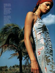 Vogue_Brasil_n268_2000_phJacquesDequeker_IsabeliFontana_09.JPG