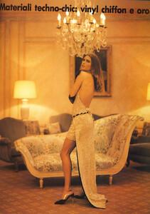 vogue_italia_september_1991__carre_roberts4.thumb.jpg.c27356420c3e4814993003261b488a1d.jpg