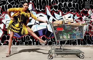 buerony - Elle Italia (March 2010) - Graffiti Art - 003.jpg