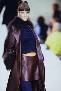 1724247224_christy-turlington(5).thumb.jpg.9f182d126476d57cfc92fc1a81979ca8.jpg