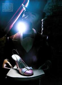 ARCHIVIO - Vogue Italia (May 2003) - Lost In Reverie - 006.jpg