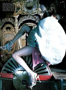 ARCHIVIO - Vogue Italia (May 2003) - Lost In Reverie - 010.jpg