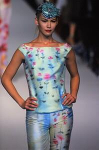 671554755_blumarine-spring-1997(11).thumb.jpg.e0bc1a1711dbb9cda527e07f11928bce.jpg