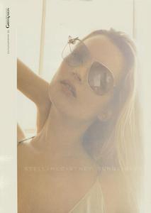 McCartney_Stella_McCartney_Eyewear_Spring_Summer_2004.thumb.png.9bd40c98c417c0f2fed6dfc337e7cddd.png