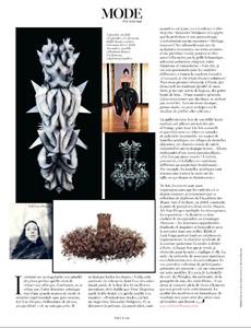 Mode_Sadli_Vogue_Paris_September_2012_02.thumb.png.bfbba0492d5d3b24b60b5ad70d410086.png