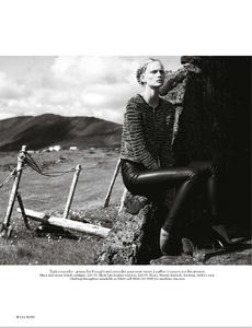 Noni_UK_Vogue_November_2012_Supplement_11.thumb.png.626ce3da422eceed40949ad3f668db92.png