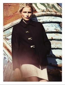 Noni_UK_Vogue_November_2012_Supplement_12.thumb.png.85442e7befc2ce9e397b968d2a8cd391.png