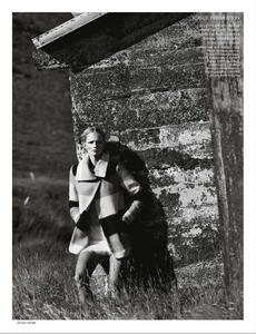 Noni_UK_Vogue_November_2012_Supplement_15.thumb.png.38508a53ee73d383408a904a011a8037.png