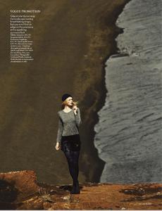 Noni_UK_Vogue_November_2012_Supplement_16.thumb.png.46baa1e315a29fbe5bfec77baf03c9c6.png