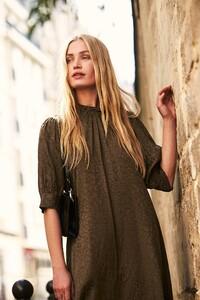 ROWIE_Postcards-A_W_Harriet-Midi-Dress-Moss-Leopard_431_M.jpg