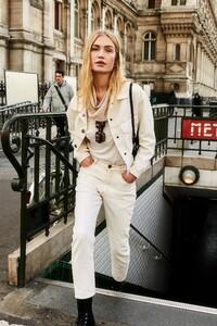 ROWIE_Postcards-A_W_Tilda-Jeans-Off-White_161.jpg