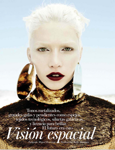 Reveriego_Vogue_Spain_October_2012_02.thumb.png.6f8fd850a7ae6bb0f0619ab596f30b45.png