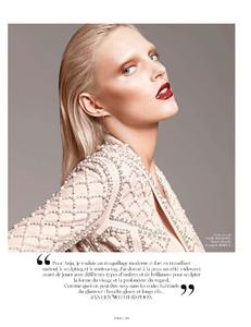 Sadli_Vogue_Paris_October_2012_02.thumb.png.74190f61714dfc29bef4f9254e66eb32.png