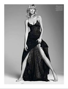 Sadli_Vogue_Paris_September_2012_03.thumb.png.089c7a3a988f3a24d24e480435ba1baf.png