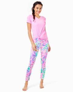 activewear2.thumb.png.706a27108eff0f687f21fb3e80c20dff.png