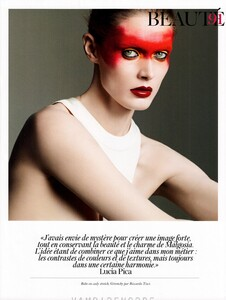 fashion_scans_remastered-malgosia_bela-vogue_paris-april_2012-scanned_by_vampirehorde-hq-2.thumb.jpg.4786ffc27a73e3fe01e58e3706f015da.jpg