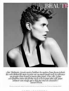 fashion_scans_remastered-malgosia_bela-vogue_paris-april_2012-scanned_by_vampirehorde-hq-4.thumb.jpg.ea4ee4fb59551f68e505682d54f26907.jpg