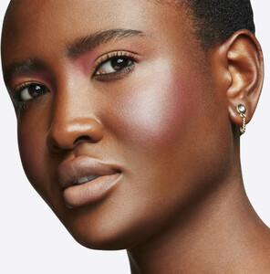 mac-cosmetics-glow-play-blush-rosy-does-it--2338-449-0010_7.thumb.jpg.4b9e297689da388b1c2bd29db04203c5.jpg